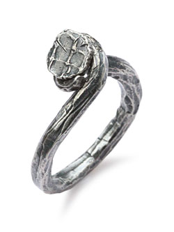 HAND-FORGED TWISTED NAIL RING [R-102101-SLV-SLV]