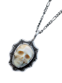 Large Waves Skull Necklace (Mammoth Ivory)