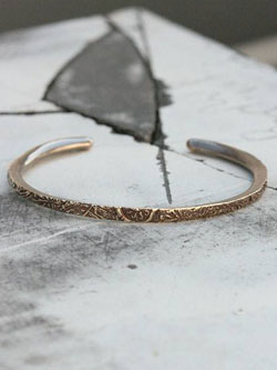 ARABESQUE BANGLE (Brass)