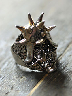 Vintage Large Spike Skull Ring / ヴィンテージラージスパイクスカル リング