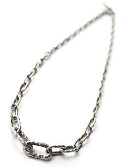 LONG GRADED LINK NECKLACE