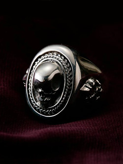 Nobel Pirate Ring with Skull & Lily